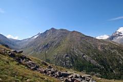Von Heidbodme auf das Almagellerhorn in Richtung Panoramaplatz