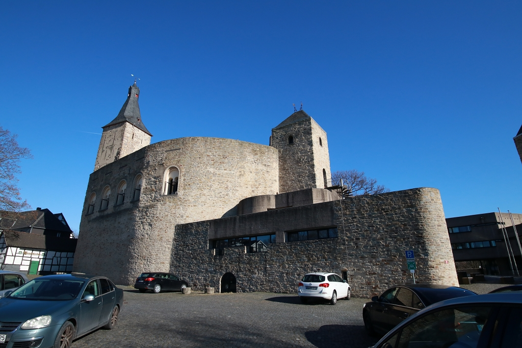Bensberger Schlosswegs (Streizug Nummer 13) - Rathaus Bensberg