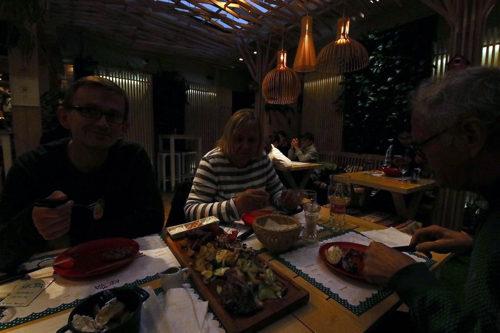 Essen im Restaurant Klopa