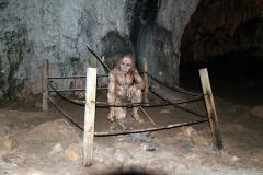 Neandertaler in der Srednja Bijambarska Höhle