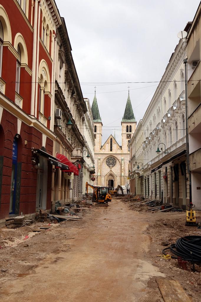 Blick auf die Herz-Jesu-Kathedrale in Sarajevo