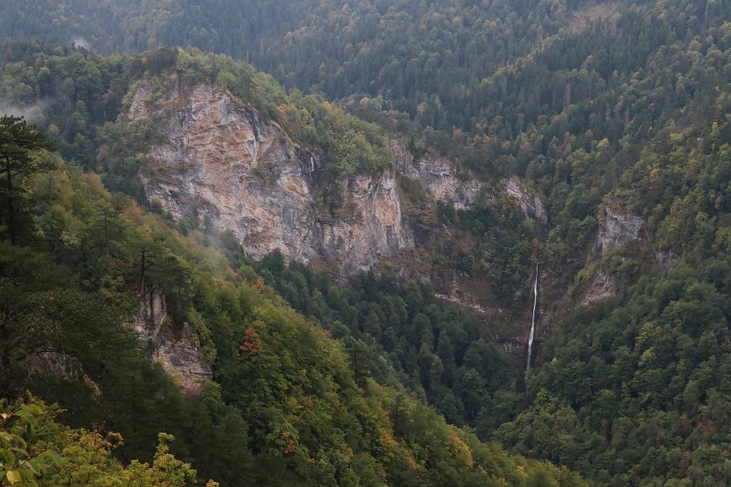 Skakavac Wasserfall vom Vidikovac Beškita im Sutjeska-Nationalpark