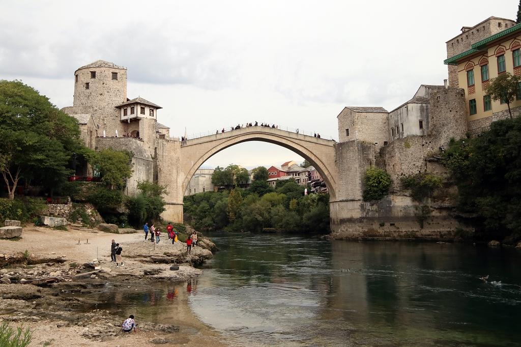 Blick auf die Stari most in Mostar
