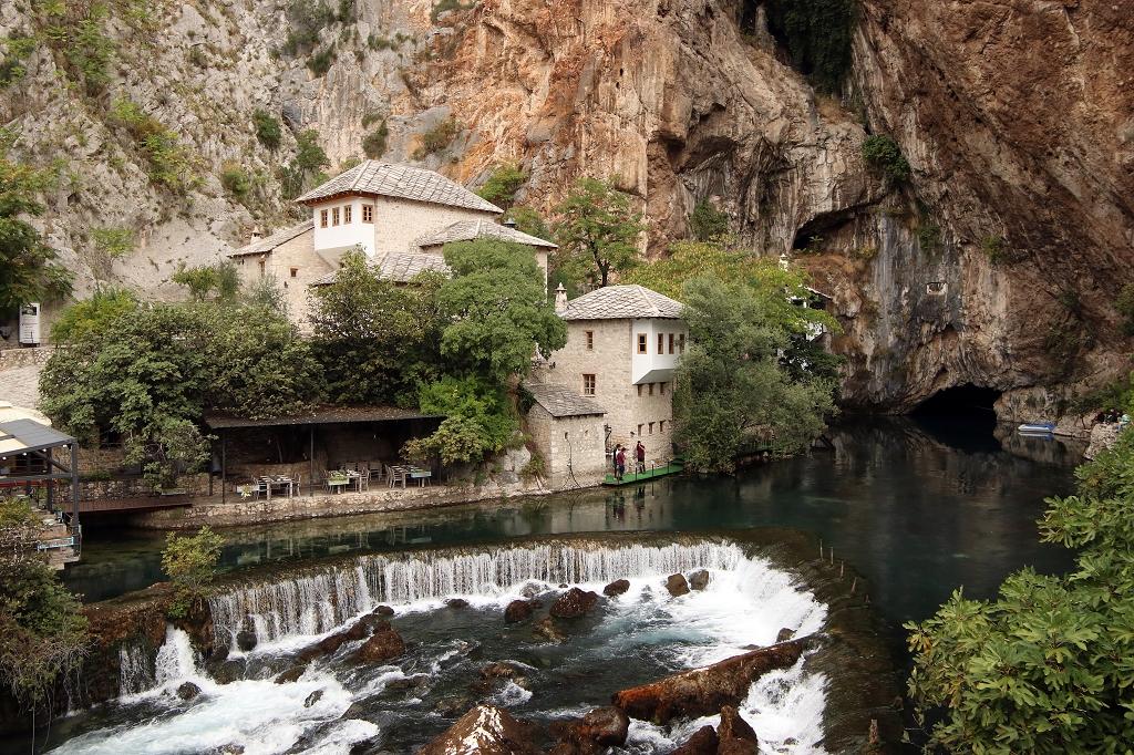 Blick auf den Wasserfall an der Bunaquelle (Vrelo buna)