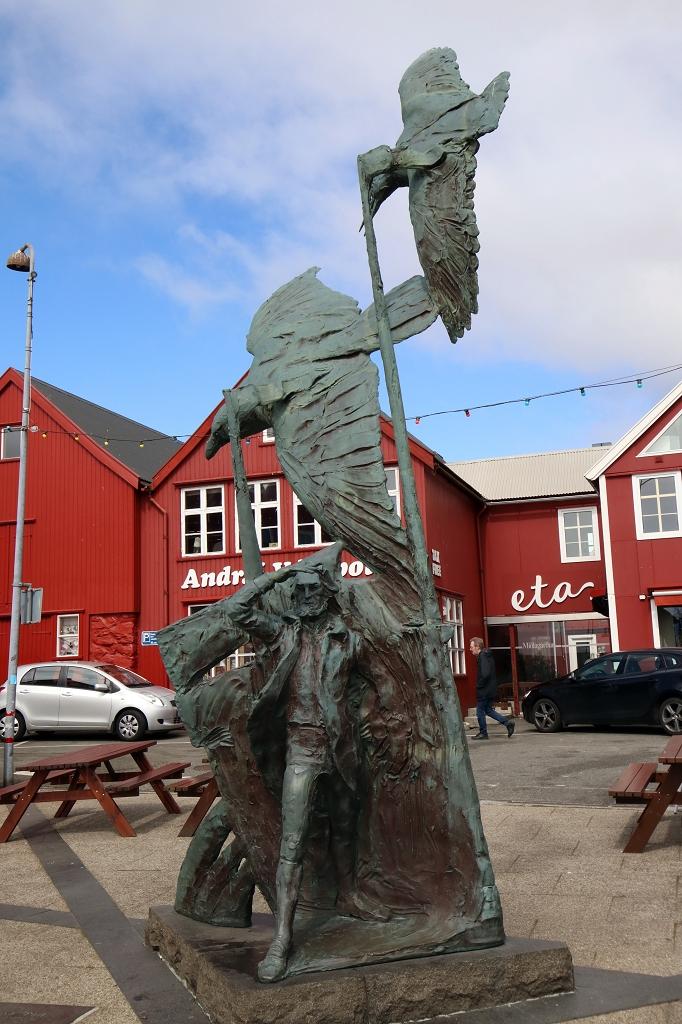 Statue in Tórshavn