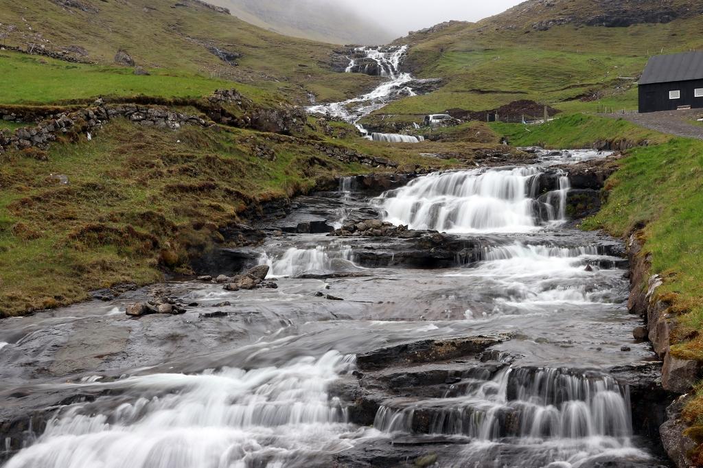 Wasserfall auf den Färöer