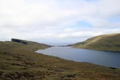 Sørvágsvatn/Leitisvatn und das Meer