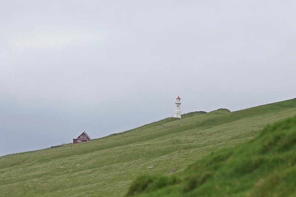 Blick auf den Leuchtturm von Mykineshólmur