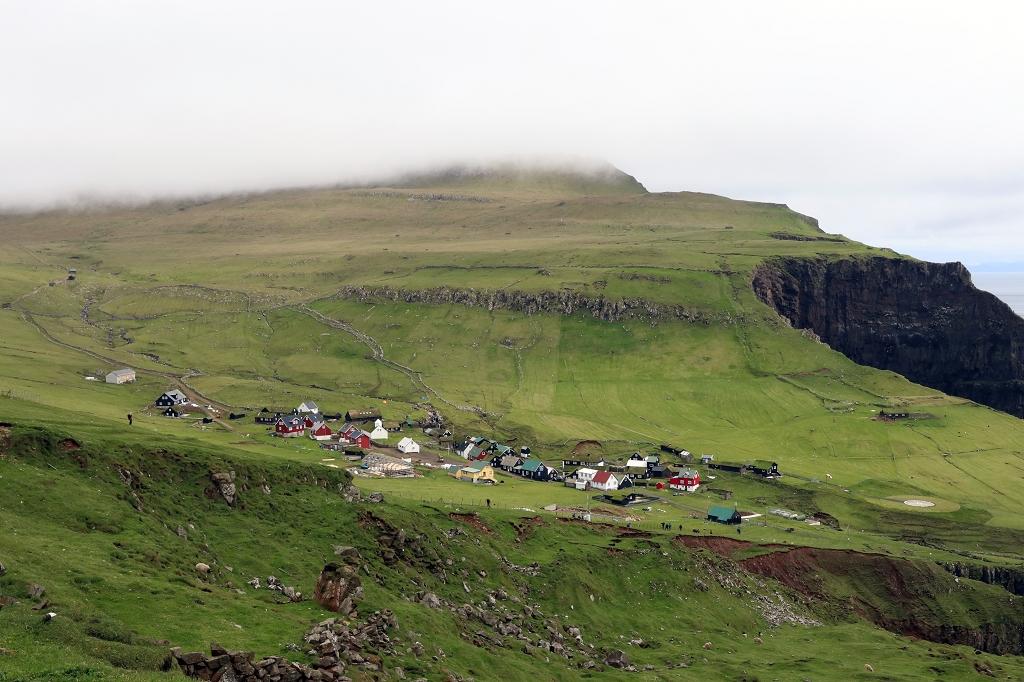Blick auf die Ortschaft Mykines