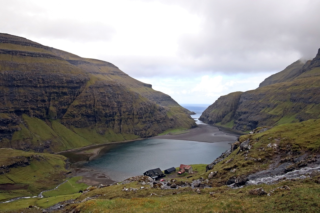 Blick auf den Fjord in Saksun
