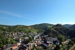 Aufstieg zum Teufelsloch in Altenahr - Aussicht vom Schwarzen Kreuz