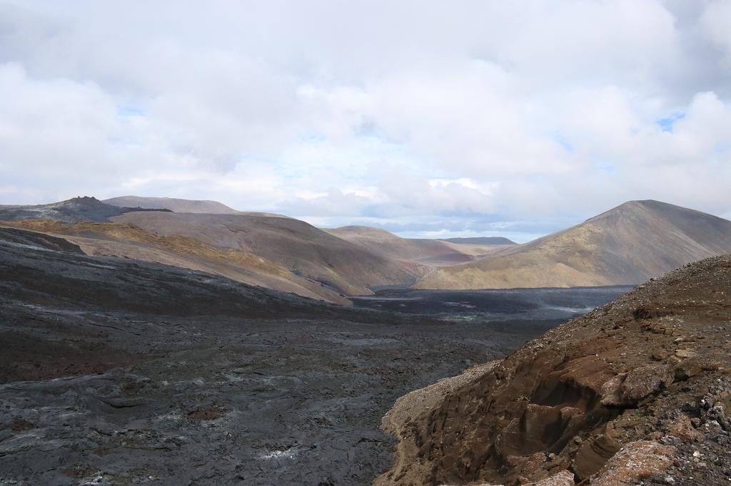 Mit Lava gefülltes Meradalir-Tal am Fagradalsfjall