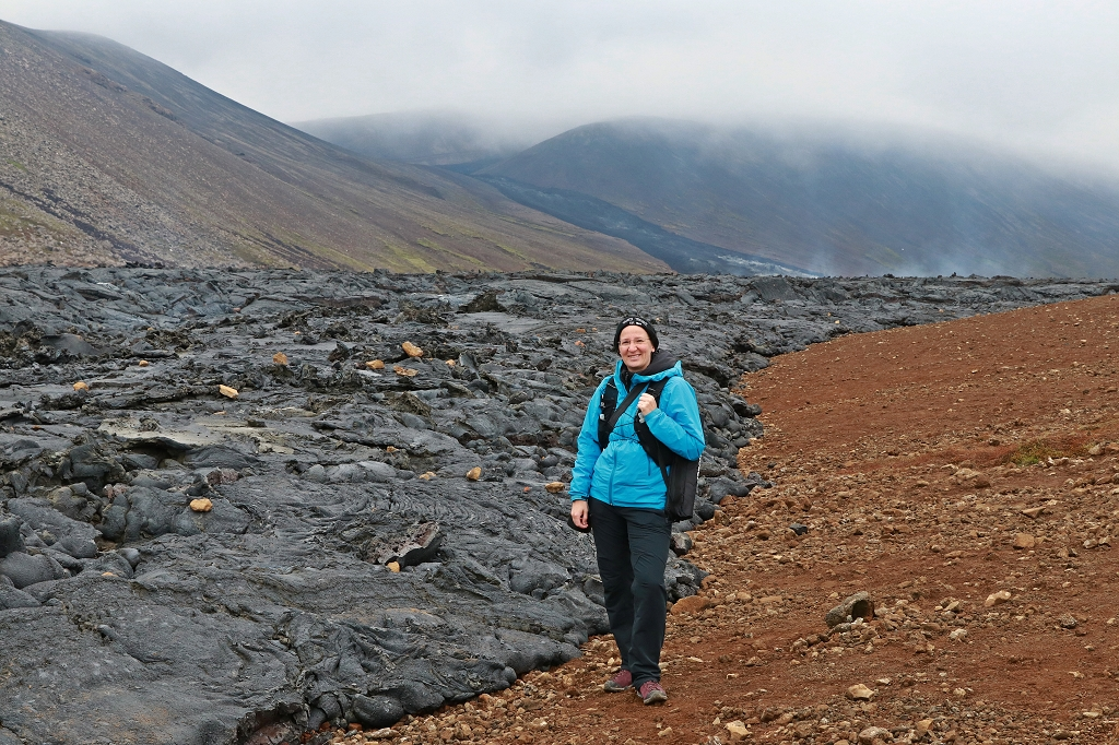 Am erkaltenden Lavafluss im Nátthagi Tal am Fagradalsfjall