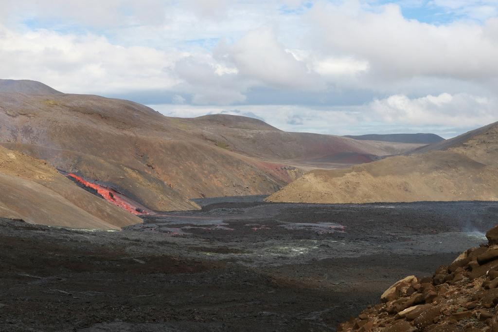 Blick auf den Lavastrom im Meradalir