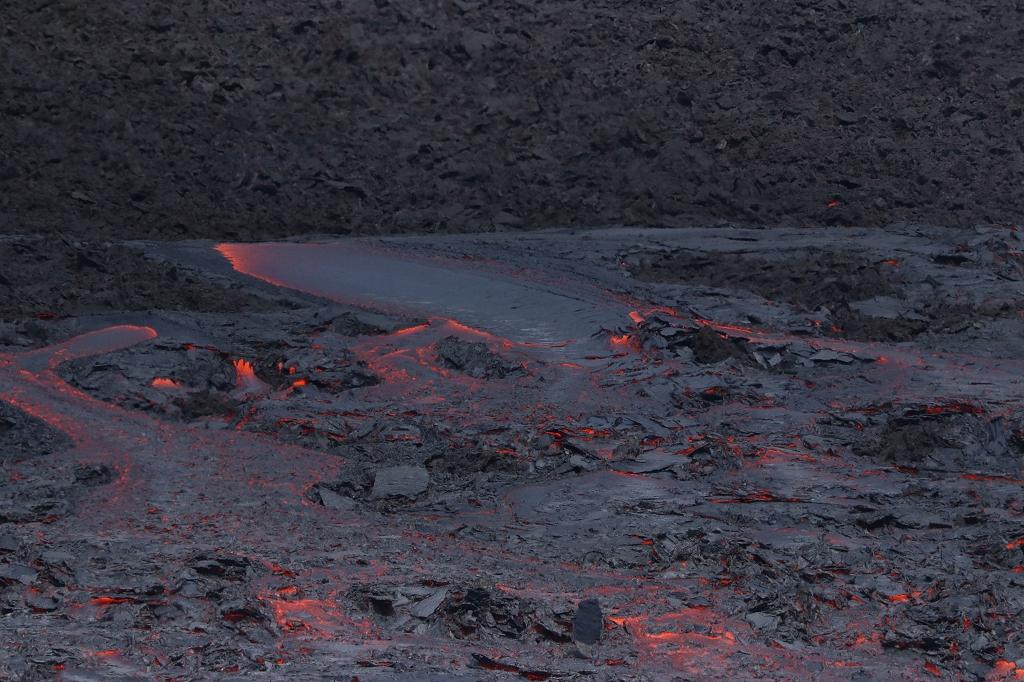 Lavastrom vom Fagradalsfjall ins Meradalir