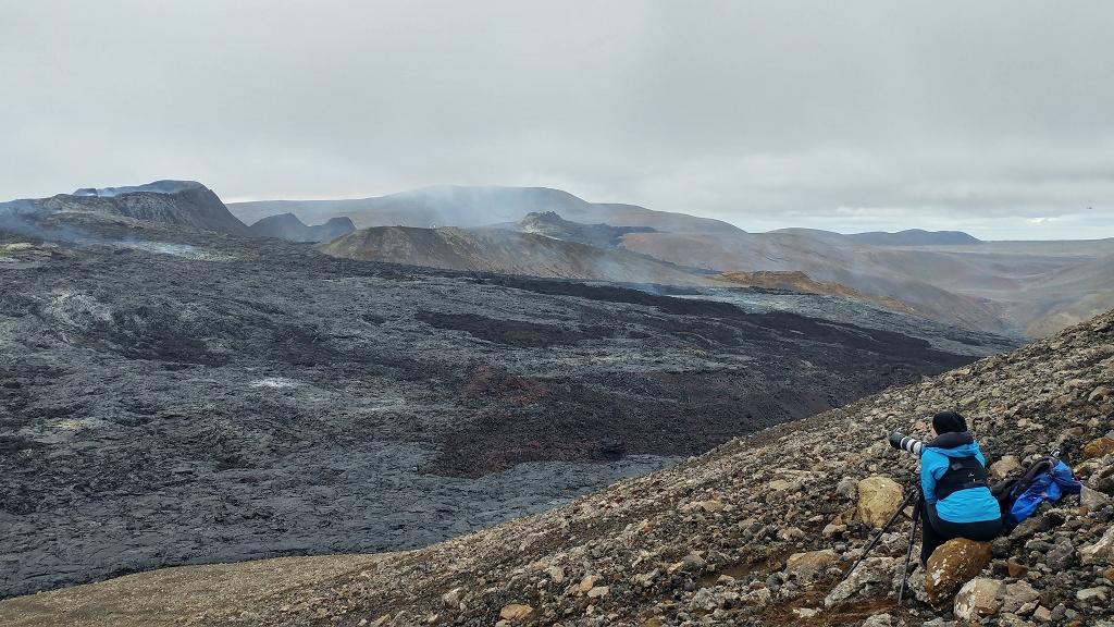 Beobachtung der Eruption des Vulkankraters am Fagradalsfjall