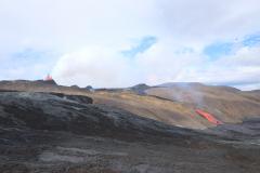 Eruption am Fagradalsfjall und reißender Lavastrom ins Meradalir