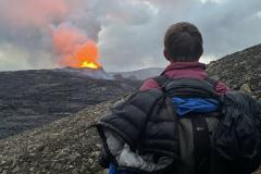Vulkanausbruch am Fagradalsfjall im Midsommerlicht