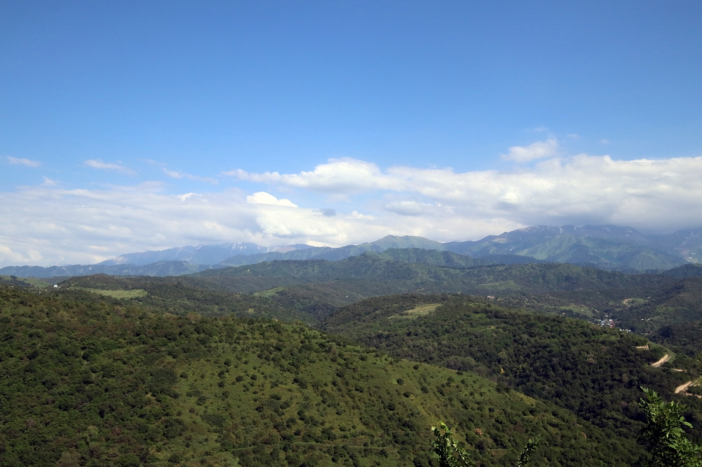 Blick auf die umliegenden Berge vom Kök-Töbe
