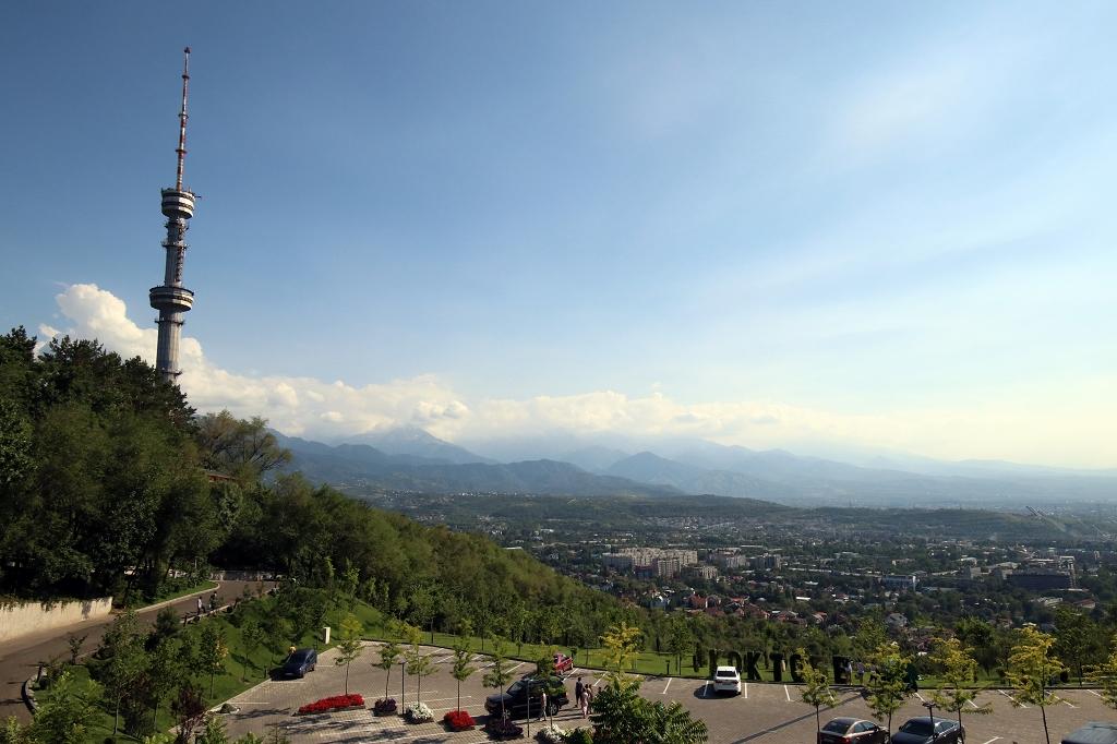 Fernsehturm Almaty auf dem Kök-Töbe