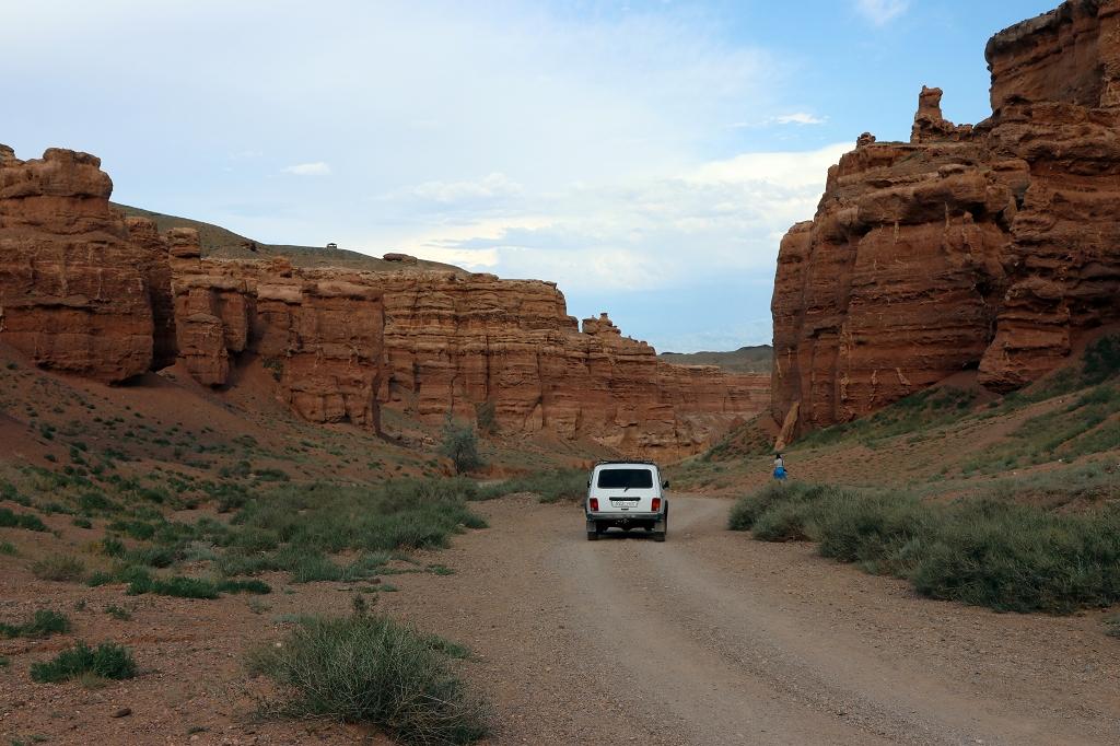 Geländewagen im Scharyn Canyon