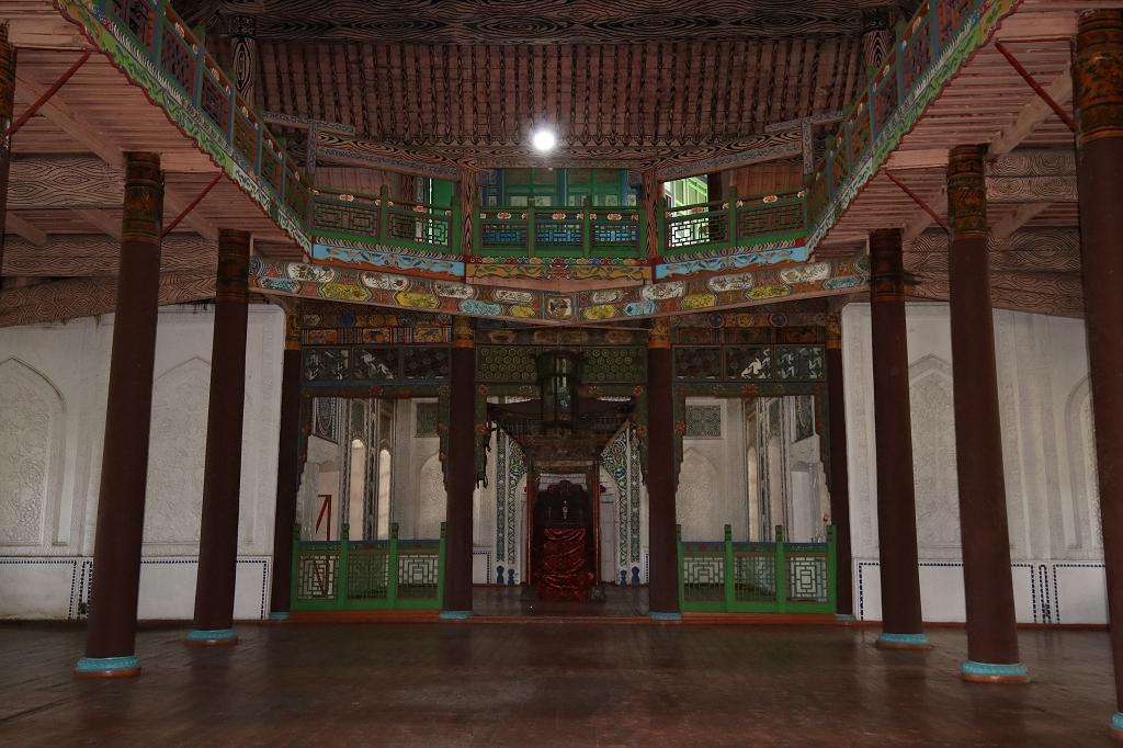 Scharkenter Moschee von innen