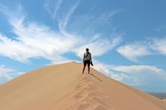 Schweißtreibender Aufstieg zur Singenden Düne im Altyn-Emel-Nationalpark