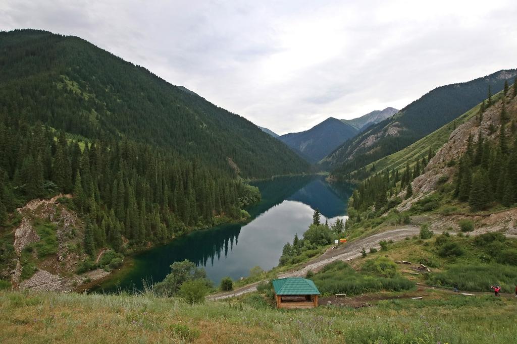 Start der Wanderung oberhalb des Unteren Kolsai-Sees