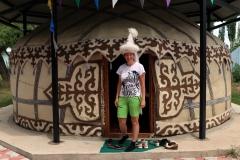 Traditionelle kirgisische Kopfbedeckung für Frauen