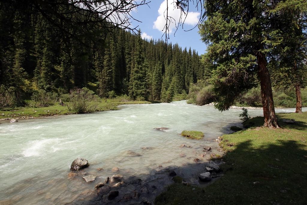 Fluss Jeti-Öguz