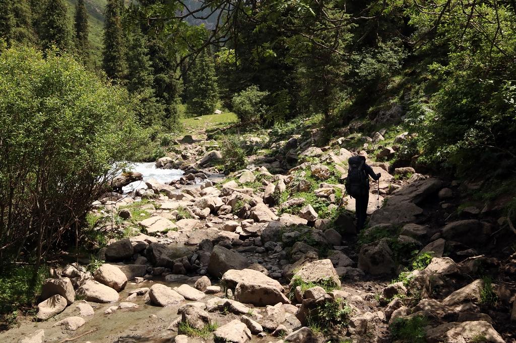 Bergauf Richtung Teleti-Pass in Kirgistan