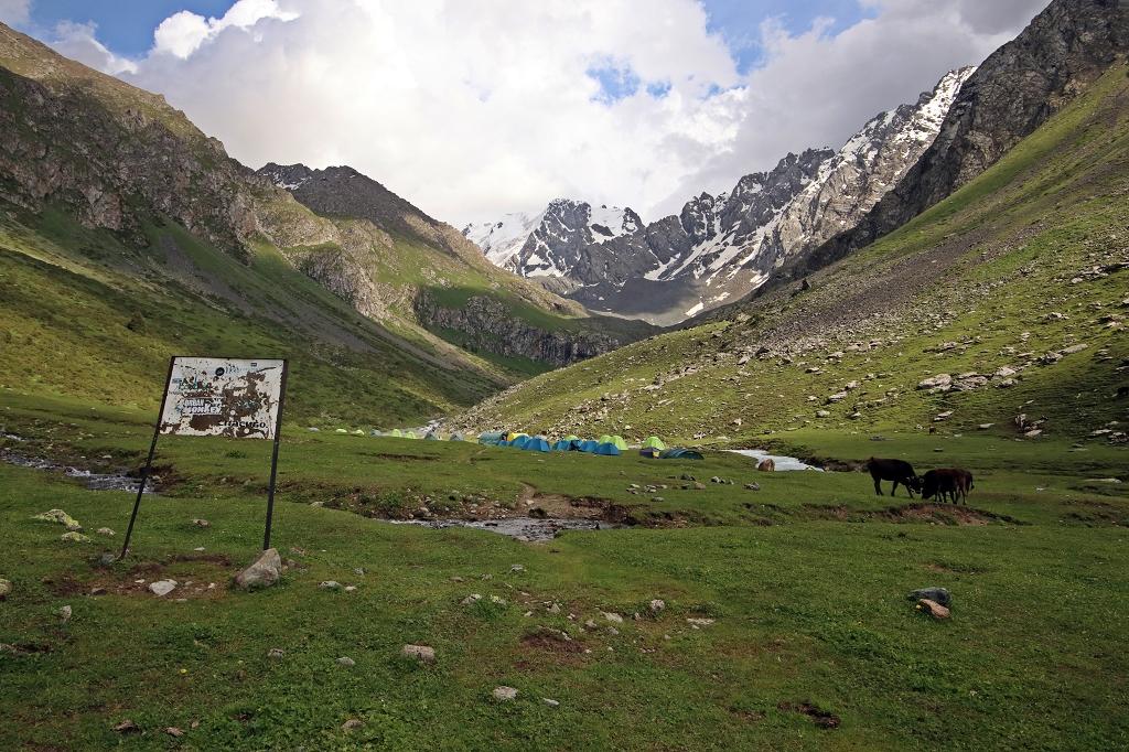 Eco Track Camp im Teleti-Tal - Ziel der ersten Etappe von Jeti-Öguz zum Teleti-Pass