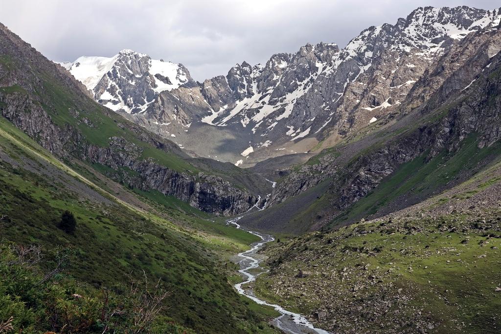 Grandioser Weitblick in das Tien Shan Gebirge