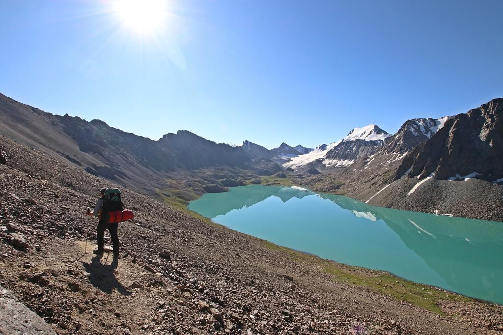 Wanderpfad zum Alakol-Pass