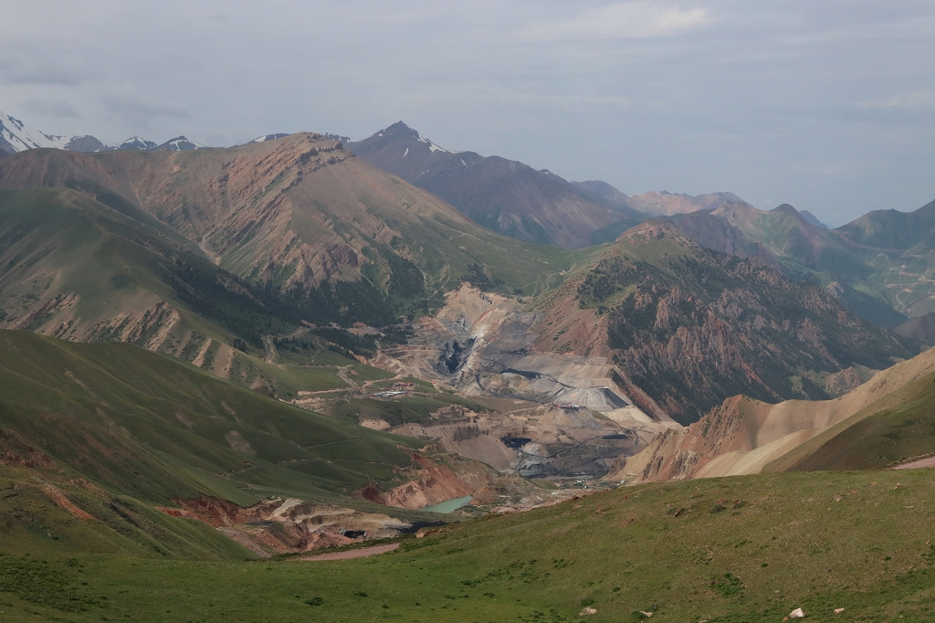 Auf dem Kara-Keche-Pass nach Kyzyl-Oi