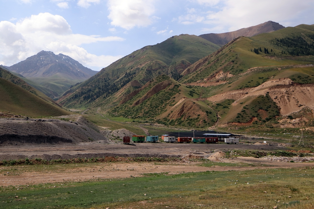 Tagebau in Kara-Keche