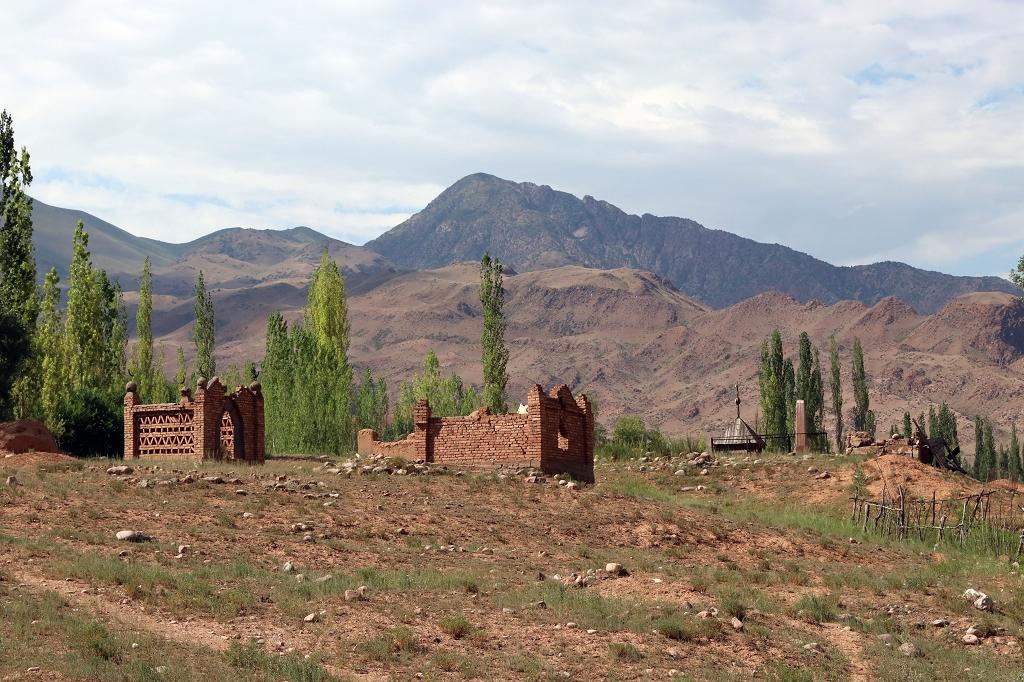 Auf dem Weg zum Aussichtspunkt in Kyzyl-Oi