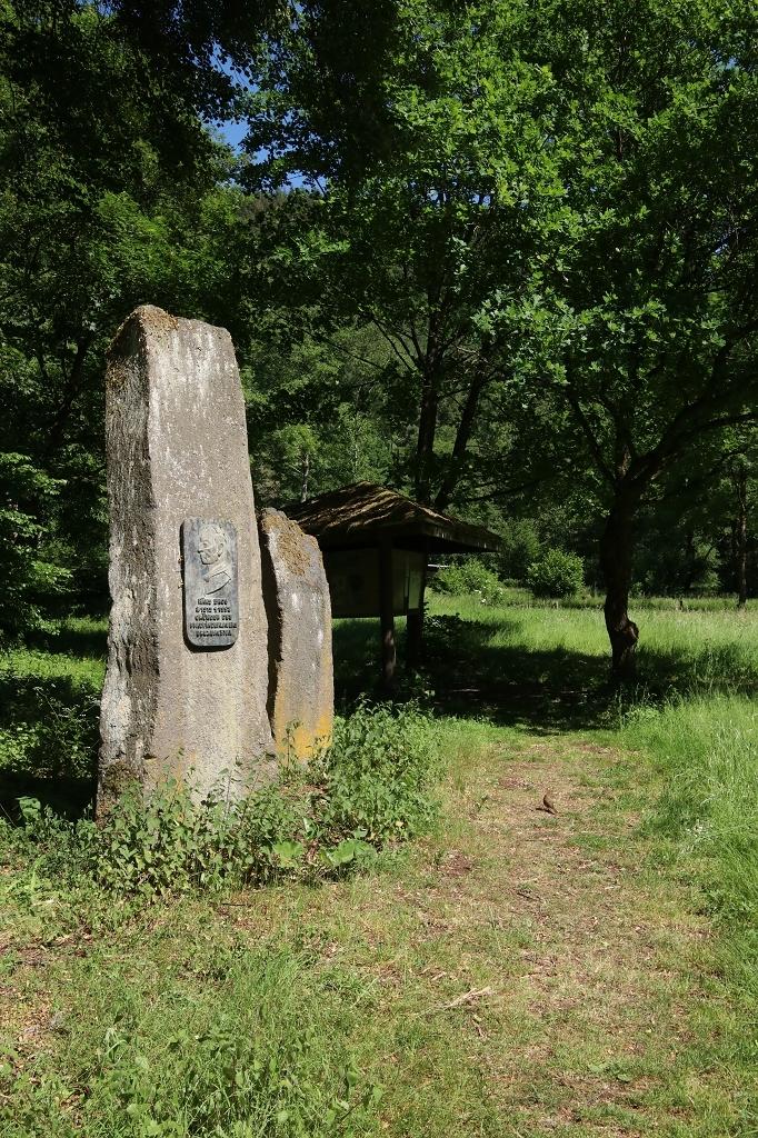 Rheinsteig Etappe 9: Von Sayn nach Vallendar - Gedenkstätte