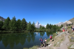 Am Grindjisee auf der Fünf-Seen-Runde in Zermatt