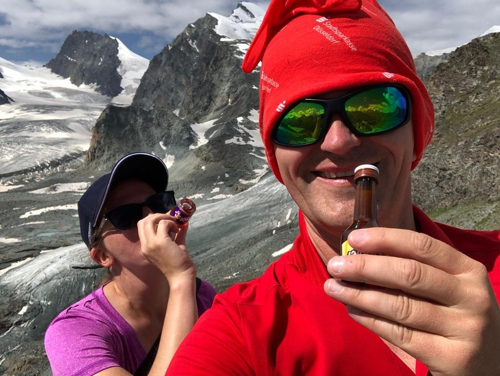 Gipfelschnaps auf dem Klein Allalin
