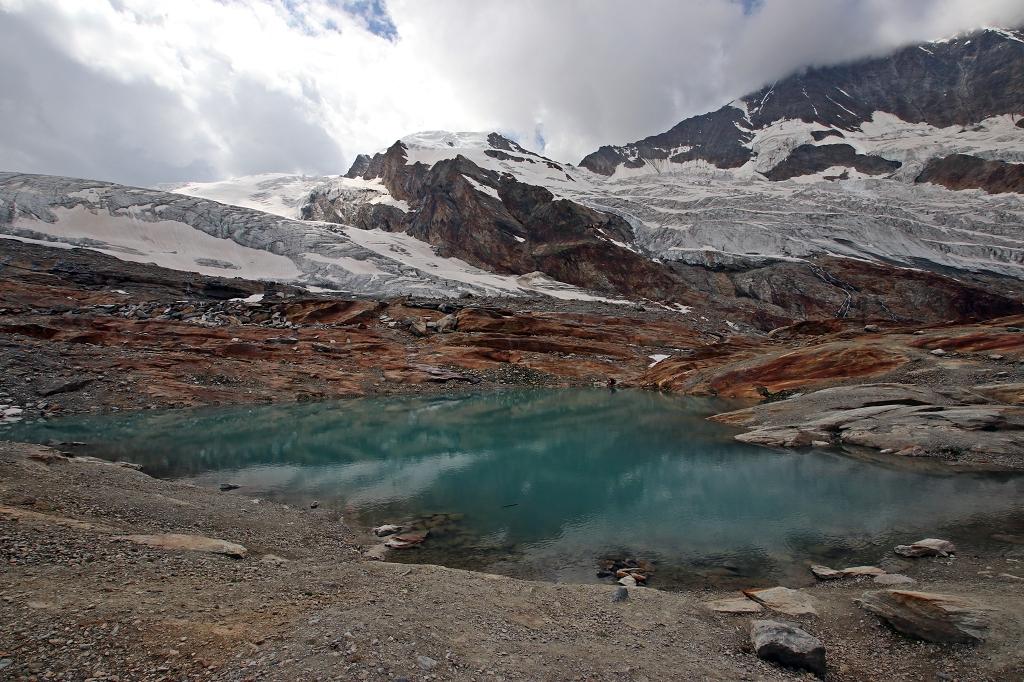 Rundweg um die Seen auf der Längfluh