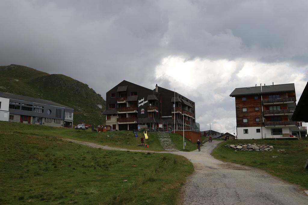 Hotel Jungfrau auf der Fiescheralp im Blickfeld