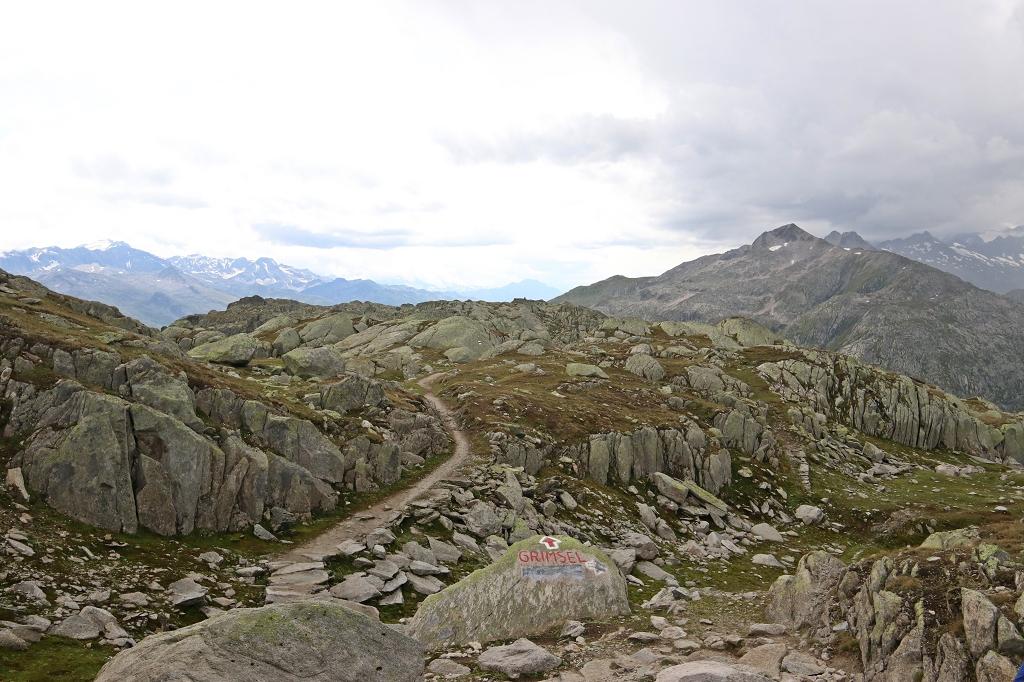 Abstieg vom Nägelisgrätli zum Grimselpass