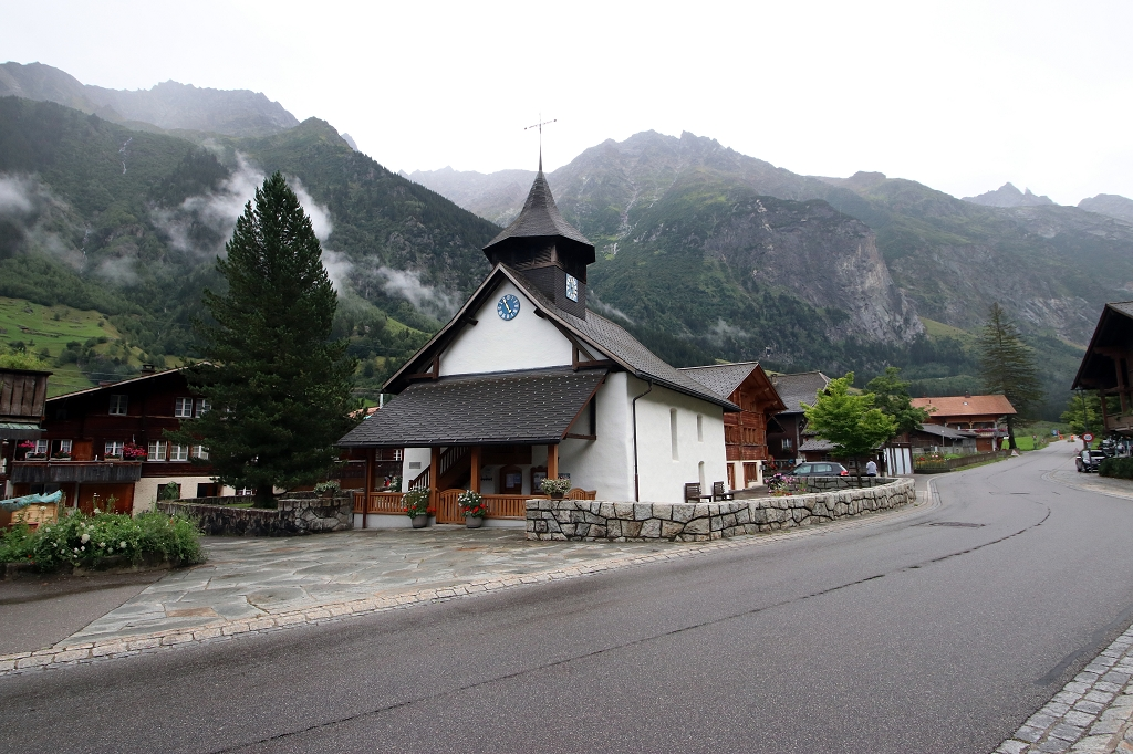 Kirche in Guttanen