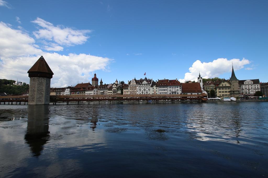 Wasserturm und Kapellbrücke in Luzern