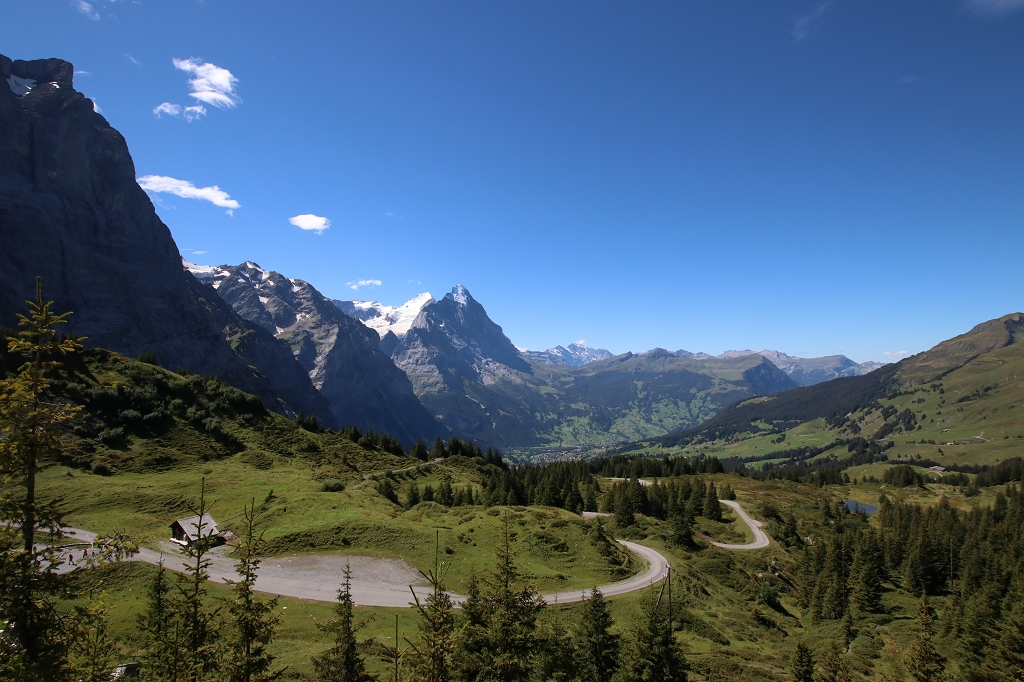 Wetterhorntrek: Von der Glecksteinhütte zur Schwarzwaldalp - Blick von der Großen Scheidegg