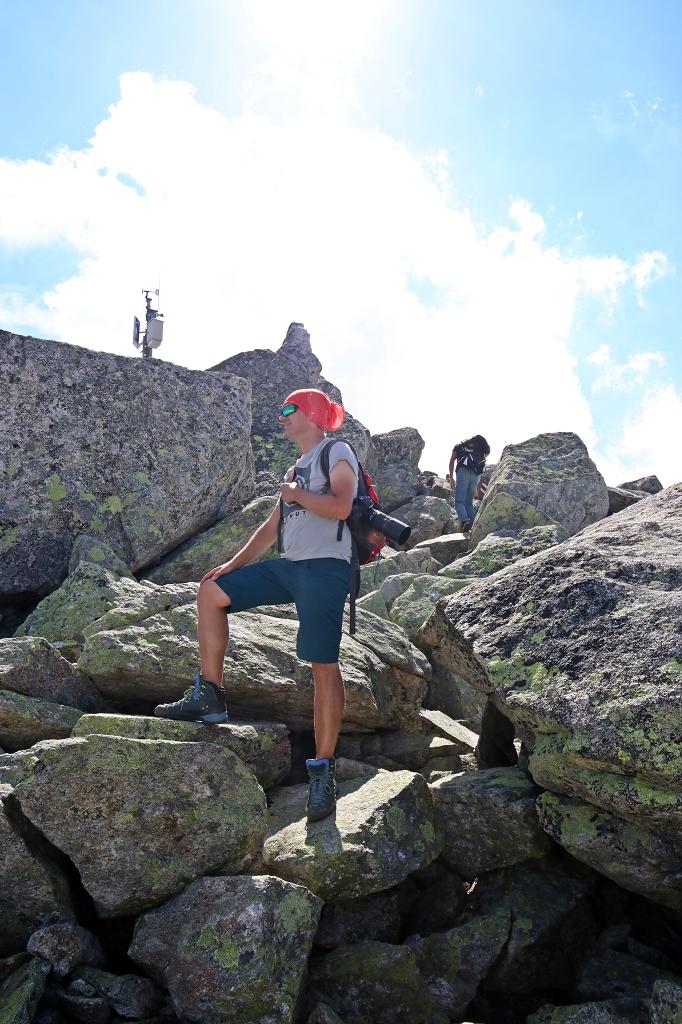 Wanderung vom Grimselpass zum Sidelhorn - Abwärts von der Antenne zum Sidelhorn