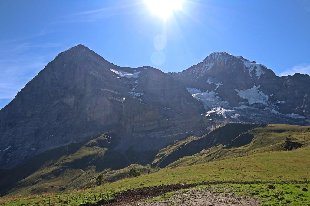 Aussicht auf Eiger (links) und Mönch (rechts)von der Kleinen Scheidegg