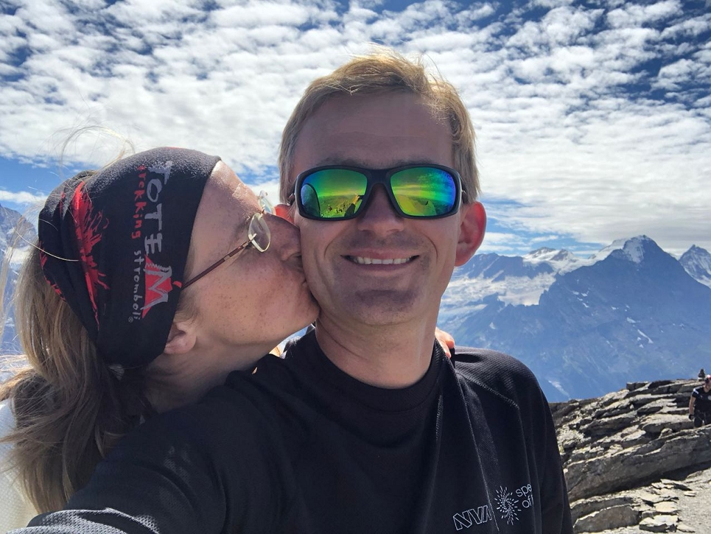 Auf dem Gipfel des Schwarzhorns - kein Schnaps, dafür Kuss