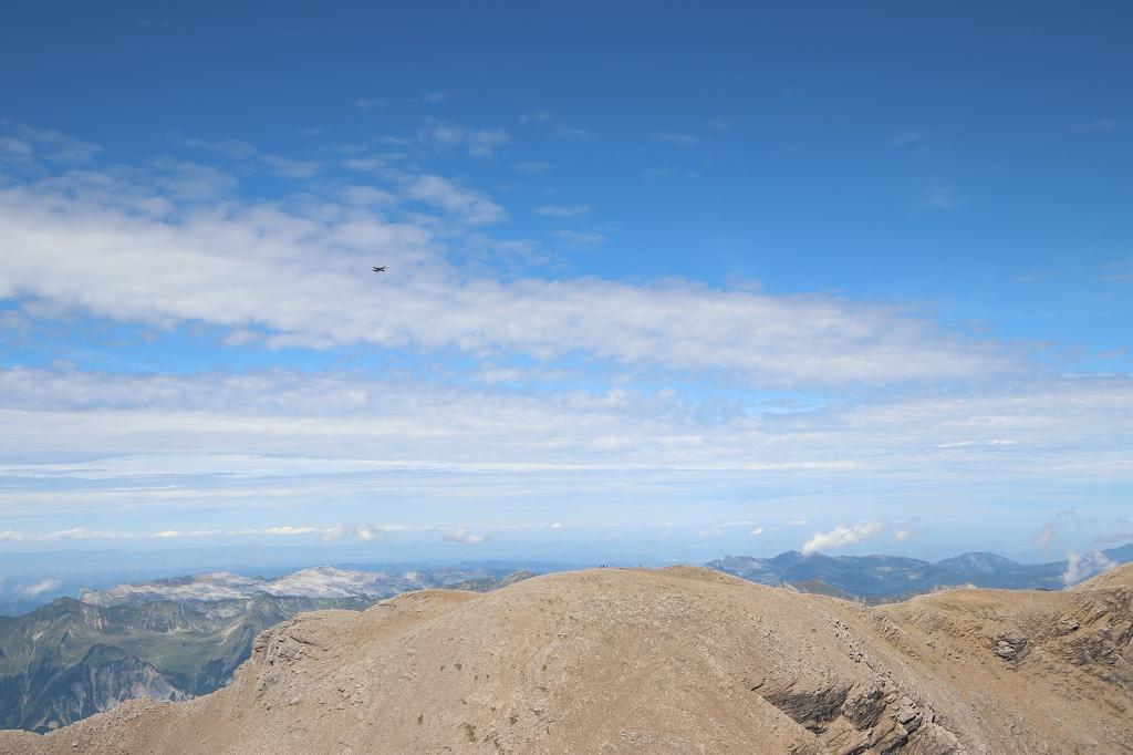 Blick vom Gipfel des Schwarzhorns - Kampfjets stören die Idylle